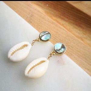 Jewelry - Gorgeous Boho Abalone & Conch Shell Earrings